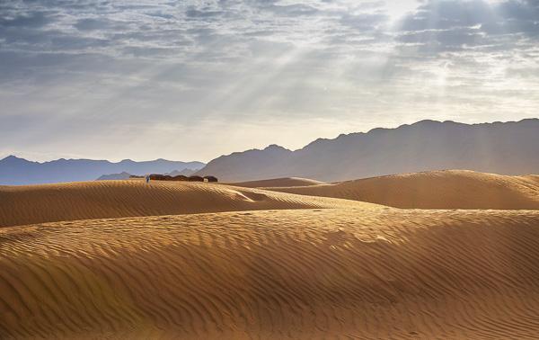 ad hcomm_vicky naudi_bedouins resting