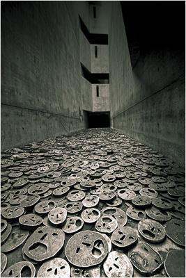 ad third_j quinn_fallen leaves jewish museum berlin