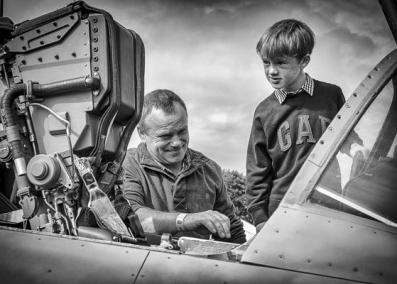 p second_mike coe_to operate the ejector seat pull this