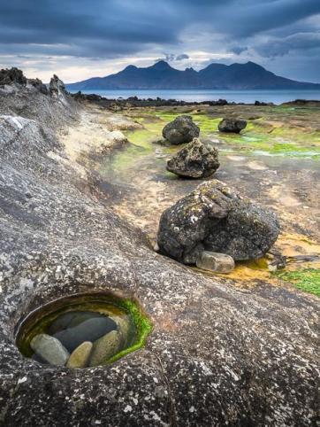 P VHComm_Ken Waldie_Natural Rock Deposits
